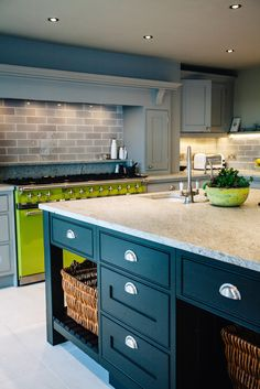 Bespoke grey shaker kitchen, in a mixture of pale grey and anthracite hues, which offset the clients gorgeous lime green range oven Lime Green Kitchen, Funky Kitchen, Green Kitchen Decor, Kitchen Decor Themes, Vintage Kitchen Decor, Country Kitchen, Kitchen Interior, New Kitchen, Kitchen Rules