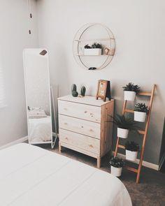 40 Minimalist Bedroom Ideas: Bohemian Minimalist With Urban Outfiters Bedroom Ideas 1 Dream Bedroom, Home Bedroom, Modern Bedroom, Bedroom Inspo, Bedroom Ideas Minimalist, Bedroom Corner, Trendy Bedroom, Ikea Bedroom Design, Minimalist Decor