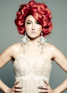 Neon Hitch. Shes so pretty!