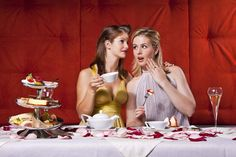 Ladys beim English Afternoon Tea at Carlton Zurich English Afternoon Tea, Couple Photos, Tees, Travel, Couple Pics, T Shirts, Trips, Tee Shirts, Viajes