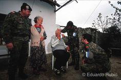 BOSNIA Mostar ancianos-imp