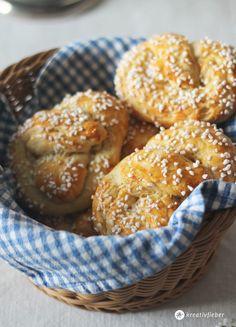 Butterbrezel fürs Sonntagsfrühstück oder den Osterbrunch