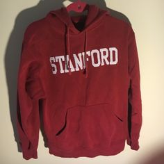 I know exactly who's gonna wear that and it ain't Sammy. I mean it's Sam's old Stanford hoodie but you know the thing where people in a relationship will give the other one their hoodie? Supernatural Sam Winchester, Samuel Winchester, Winchester Brothers, Maleficarum, The Last Summer, Wally West, Cristina Yang, Character Aesthetic, Sweatshirts
