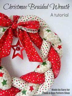 Christmas Crafts fabric Christmas Braided Wreath - a tutorial - Peek-a-Boo Pattern Shop Felt Christmas Decorations, Xmas Wreaths, Christmas Ornaments, Yarn Wreaths, Winter Wreaths, Floral Wreaths, Spring Wreaths, Summer Wreath, Door Wreaths