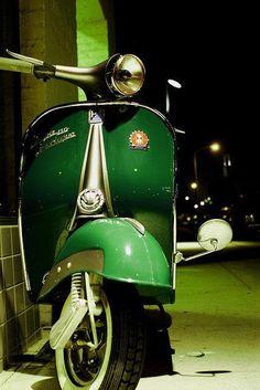 Green Vespa, a traves de Italia