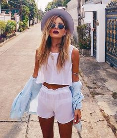 Festival fashion - cute crop combo, round sunnies &  a fedora! Love this look!