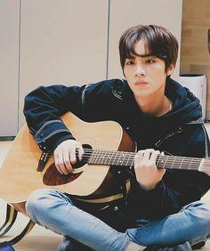 xiaojun ꦿ᭝ violão boyfriend material Winwin, Taeyong, Jaehyun, Nct 127, Lucas Nct, Capitol Records, Nct Debut, Yangyang Wayv, Johnny Seo