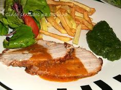 Five Senses in the kitchen: Pork loin roast with creamy sauce Food Dishes, Main Dishes, Portuguese Recipes, Portuguese Food, Creamy Sauce, Pork Loin, Steak, Bacon, Roast