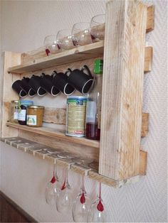 You can make DIY pallet kitchen shelf . You can make diy pallet plan for your kitchen. Now we share with you five diy pallet kitchen shelf here. Pallet Crafts, Diy Pallet Projects, Wood Projects, Woodworking Projects, Woodworking Wood, Wood Router, Woodworking Beginner, Woodworking Organization, Intarsia Woodworking