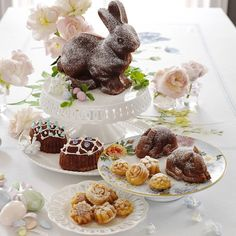 Nordic Ware Flower Petits Fours Pan #williamssonoma Easter Bunny Cake, Easter Cupcakes, Hoppy Easter, Easter Cookies, Afternoon Tea, Bundt Cake Pan, Egg Cake, Zucchini Cake, Nordic Ware