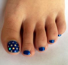 toe nail art | Tumblr I'd put stars on all of the toes though!