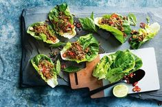 Appealing to tastebuds of all ages, these pork san choy bow are flavourful enough to suit the adults and fun enough to get the kids tucking in. Mince Recipes, Pork Recipes, Asian Recipes, Low Carb Recipes, Cooking Recipes, Healthy Recipes, Healthy Meals, Recipies, Asian Foods