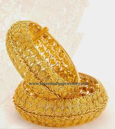 Jaipur Gems Collection, Designs, Fashion Shows, Jewellery, Pictures and Photos on Bigindianwedding Plain Gold Bangles, Gold Bangles Design, Gold Earrings Designs, Gold Jewellery Design, Gold Jewelry, Designer Bangles, Gold Bracelets, Schmuck Design, Indian Jewelry