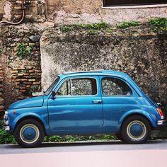 Blue fiat 500 omg want