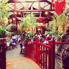 Top 37 unusual and original restaurants in Paris Restaurants In Paris, Paris Travel, France Travel, Resto Paris, Paris Bars, Paris Love, Best Cities, Adventure Travel, Garden Design