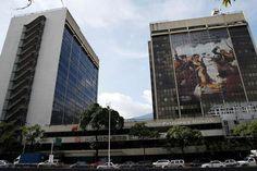 """EMTA recomienda transar bonos de PDVSA como activos en default - La casa martriz de PDVSA en Caracas, jul 21, 2016. REUTERS/Carlos Garcia Rawlins LONDRES (Reuters) – La asociación de operadores e inversores en deuda de mercados emergentes EMTA recomendó que los bonos emitidos por la petrolera estatal venezolana PDVSA se negocien """"sin c... - https://notiespartano.com/2018/02/12/emta-recomienda-transar-bonos-pdvsa-activos-default/"""