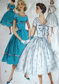 Vintage Sewing The Best Resources for Vintage Dress Patterns - Find the best dress patterns to make your own vintage dresses, along with some easy dress tutorials to teach you the basics. Vintage Dress Patterns, Clothing Patterns, Vintage Dresses, Vintage Outfits, Vintage Clothing, 1950s Dresses, Style Patterns, Clothing Styles, Moda Vintage