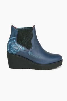 Desigual Outlet - Desigual / Different. Wedges, Boots, Fashion, Crotch Boots, Moda, Fashion Styles, Shoe Boot, Fashion Illustrations, Wedge