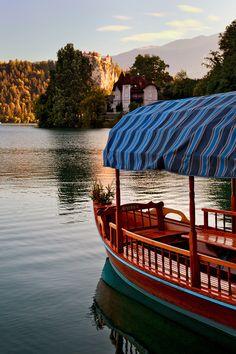 souls-of-my-shoes:    Slovenian Gondola (by John & Tina Reid)