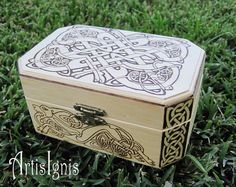 Celtic Hounds  Jewelry Box Trinket box Treasure box by ArtisIgnis, €35.00
