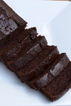 Eggless Chocolate Cake Recipe! Super rich, moist and fluffy chocolate cake is a delight to eat.  This eggless version of chocolate cake is easy to prepare. Make it to impress your loved one, specially little kids :-) Step by step recipe with pictures at: http://www.vegetariansdelight.com/eggless-chocolate-cake-recipe/