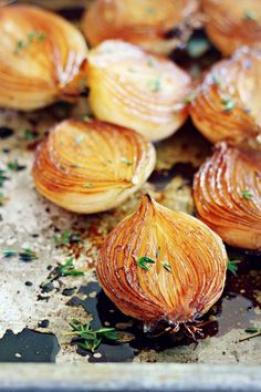 Balsamic Caramelized Onions {vegan, grain free and gluten free} Side Recipes, Vegetable Recipes, Tapas, Cooking Recipes, Healthy Recipes, Easy Cooking, Cooking Tips, Onion Recipes, Caramelized Onions