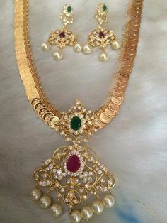 Necklaces – Page 7 – Finest Jewelry Gold Wedding Jewelry, Gold Jewelry Simple, Bridal Jewelry Sets, Gold Earrings Designs, Gold Jewellery Design, Jewelry Patterns, Making Ideas, Kasumala Designs, Diamonds