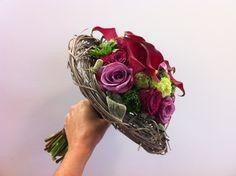 bruidsboeket - donkerrood-paars met lichtgroene accenten - flowered by falenopsis boechout