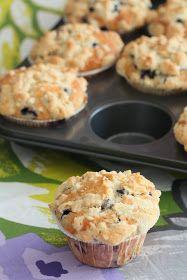 Mustikkasuu: Amerikkalaiset mustikka-murumuffinssit Diy Food, Food Inspiration, Food And Drink, Cupcakes, Sweets, Baking, Breakfast, Easy, Recipes