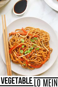 This Easy Vegetable Lo Mein recipe is a delicious, one-pan meal that is done in 30 minutes or less. You'll get a plateful of veggies and chewy, silky noodles that are covered in a scrumptious umami-flavored stir-fry sauce! It hits the spot ALL the time! #veganhuggs #lomein #vegannoodles Vegan Dinner Recipes, Vegan Snacks, Vegan Dinners, Vegetarian Recipes, Vegan Foods, Delicious Recipes, Vegan Lo Mein, Vegetable Lo Mein, Lo Mein Noodles