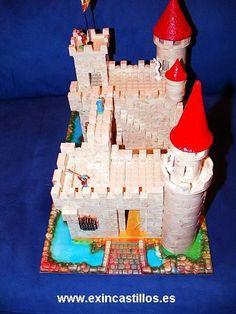 Yo tenía un Castillo Exin!! Wow!!! Model Castle, Toy Castle, Chateau Fort Jouet, Nostalgia, Château Fort, Putz Houses, Old Toys, Building Toys, My Childhood
