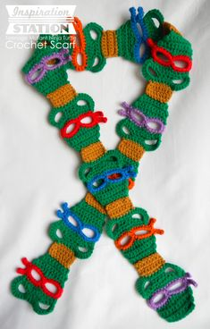 If only I knew how to crochet! Teenage Mutant Ninja Turtles Scarf ~ Free TMNT Crochet Pattern -- haha, because my mom KNOWS me! Learn To Crochet, Crochet For Kids, Free Crochet, Knit Crochet, Crochet Geek, Crochet Scarves, Crochet Clothes, Crochet Ninja Turtle, Turtle Pattern