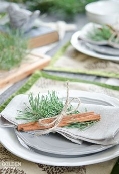 Christmas Tablescape - The Golden Sycamore