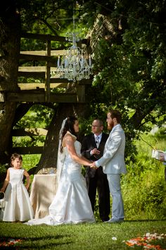Outdoor Virginia wedding ceremony ~ Brittany & Dave's coral & mint, DIY Virginia wedding. Images by Traci J Brooks Studios.