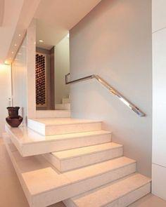 Quando a escada é uma arte  Via: #pinterest  #arquiteturadeinteriores #arquitetura #decoração #encantadahome #instagood #inspiracao #escadas #stairs