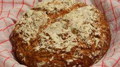 """""""Vrabci v hrsti"""" se šťouchanými brambůrky – RECETIMA Banana Bread, Desserts, Recipes, Food, Colorful Quilts, Mascarpone, Deserts, Dessert, Rezepte"""