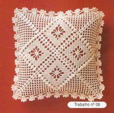 images attach c 7 96 429 Crochet Pillow Cases, Crochet Cushion Cover, Crochet Pillow Pattern, Crochet Cushions, Crochet Stitches Patterns, Crochet Designs, Crochet Cross, Crochet Art, Filet Crochet
