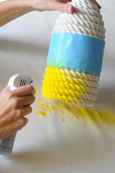 Faça você mesmo uma linda luminária de corda…