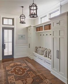 Welcome entryway mudroom bench to your home and get something truly functional to keep those bags, shoes and much more. The simple and elegant design leaves a whole world of possibilities to customize it with boxes and different materials. Having… Continue Reading →
