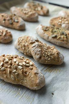 Low Carb Chicken Recipes, Bread Recipes, Vegan Recipes, Keto Bread, Bread Baking, German Bread, Happy Foods, Bread Rolls, Dough Recipe