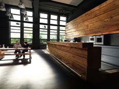 :: INTERIORS :: KMS TEAM GmbH / Tölzer Straße 2c, 81379 Munich, Germany, beautiful bold black office interior contrast with sold fir - love!
