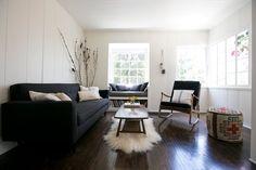 Lauren Ross's living room.  Found on Nic(ole) Cari site, via (my fav app) Remodelista