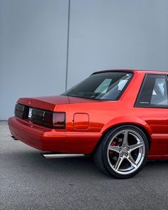 Do y'all prefer Notchback or Hatchback Foxbodys❓😍 . by Warriors 🗽 SVT Mustangs 1993 Ford Mustang, Fox Body Mustang, Mustang Cars, Notchback Mustang, Ford Fox, Car Man Cave, Custom Muscle Cars, Classic Mustang, Pony Car