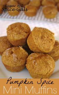 Pumpkin Mini Muffins on MyRecipeMagic.com #muffins #pumpkin #mini