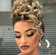 Penteados Причёски Penteados The post Penteados appeared first on Dress Models. Curly Hair Updo, Prom Hair Updo, Hair Dos, Curly Hair Styles, Natural Hair Styles, Summer Hairstyles, Up Hairstyles, Wedding Hairstyles, Pinterest Hair