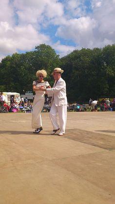#twinwoodfestival2012 #twinwoodfestival #twinwood #vintagestyle #vintagefashion #vintagelook #fortiesfashion #fortiesstyle #fiftiesfashion #fiftiesstyle #vintagelover #vintagedancer I love watching them dance