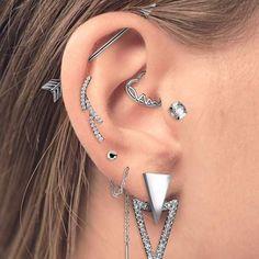 Raw Amethyst Geode Earrings, Rough Geode Jewelry, Blue Lavender Crystal and Silver Studs, Trending Jewelry Luxury Anniversary for Wife - Fine Jewelry Ideas Daith Piercing, Inner Ear Piercing, Ear Piercings, Conch Earring, Cartilage Earrings, Stud Earrings, Geode Jewelry, Septum Jewelry, Piercing Transversal