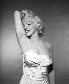 Always Marilyn Monroe Marilyn Monroe Artwork, Rare Marilyn Monroe, Marilyn Monroe Tattoo, Hollywood Glamour, Classic Hollywood, Old Hollywood, Divas, Pin Up, Actrices Sexy