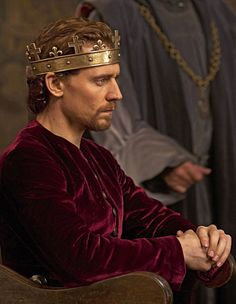 Tom Hiddleston as King Henry V in The Hollow Crown - Henry V (2012).