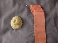 How to make a nautilus cockade for hats from petersham #millinery #hats #judithm